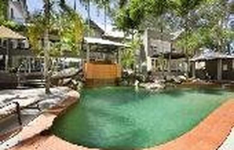 Paradise on the Beach Resort - General - 3