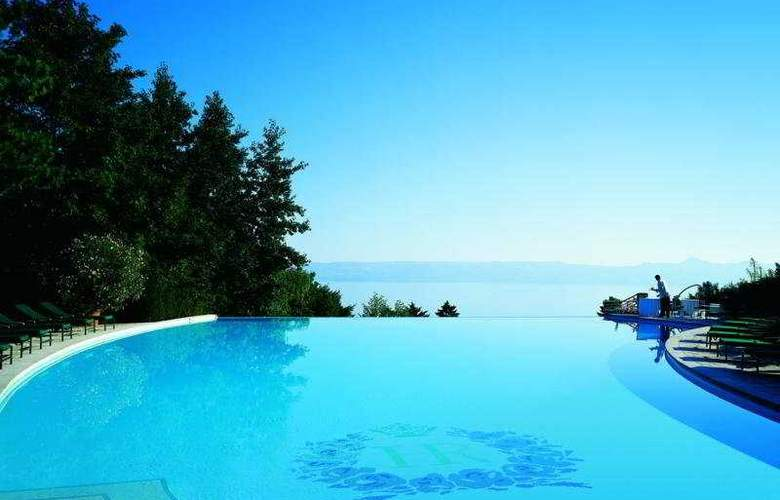 Royal Evian Resort - Pool - 5
