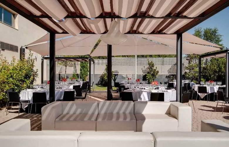 Rafaelhoteles Forum Alcala - Terrace - 54