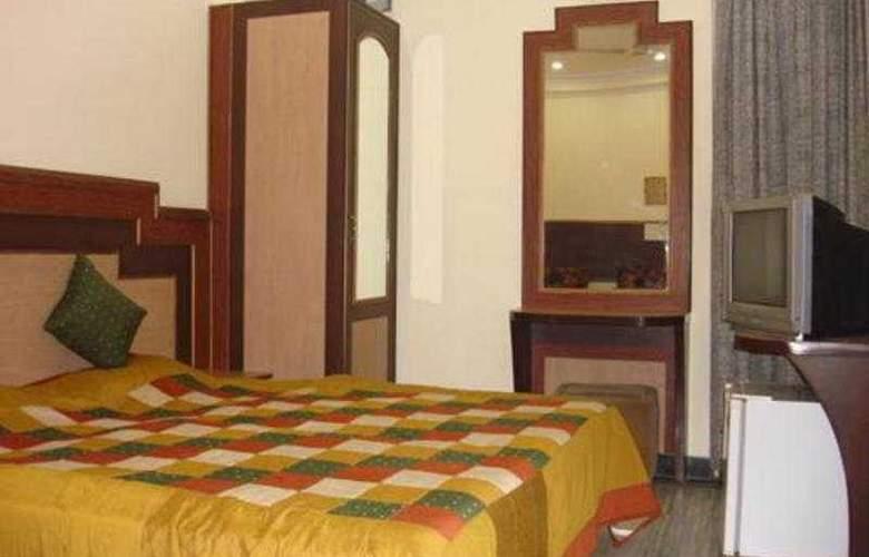 Hotel Rama Deluxe - Room - 2