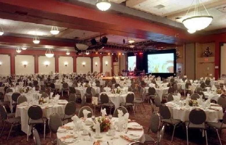 Delta Sherbrooke Hotel & Conference Center - Restaurant - 4