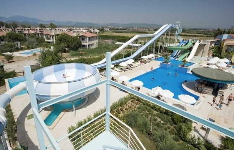 Lyra Resort - Pool - 33