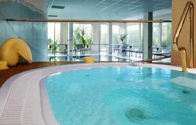 Gran Hotel Monterrey - Pool - 8