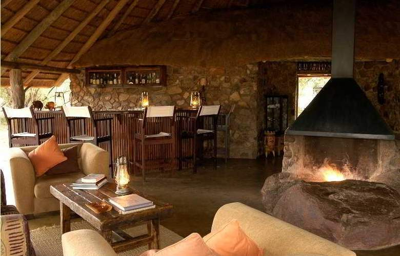 Kwafubesi Tented Safari Camp - Bar - 5