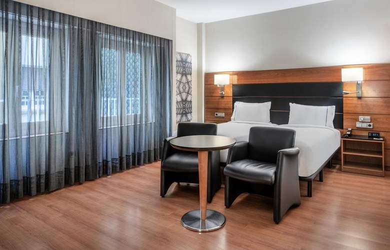 AC Carlton Madrid - Room - 9