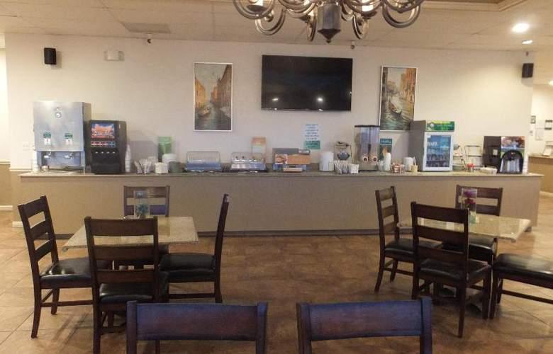 Quality Inn & Suites Lake Havasu City - Restaurant - 15