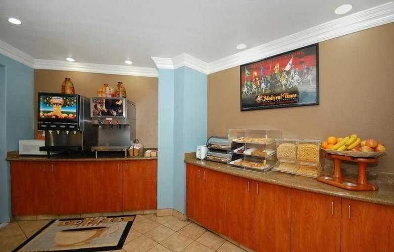 Anaheim Rodeway Inn & Suites - Restaurant - 8