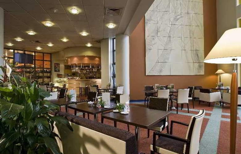 Danubius Health Spa Resort Helia - Bar - 7