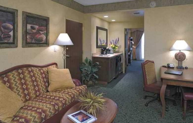 Embassy Suites Albuquerque Hotel & Spa - Hotel - 4