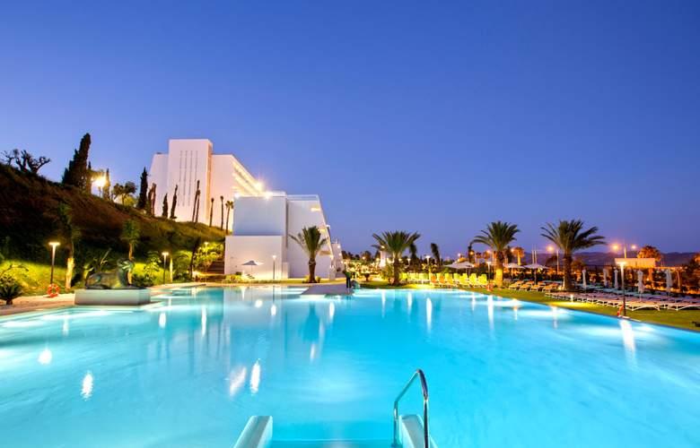 Grand Luxor - Pool - 12