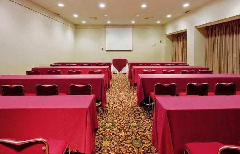 Holiday Inn Monterrey Norte - Hotel - 11