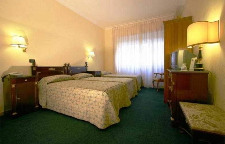 Carlo Magno - Room - 6