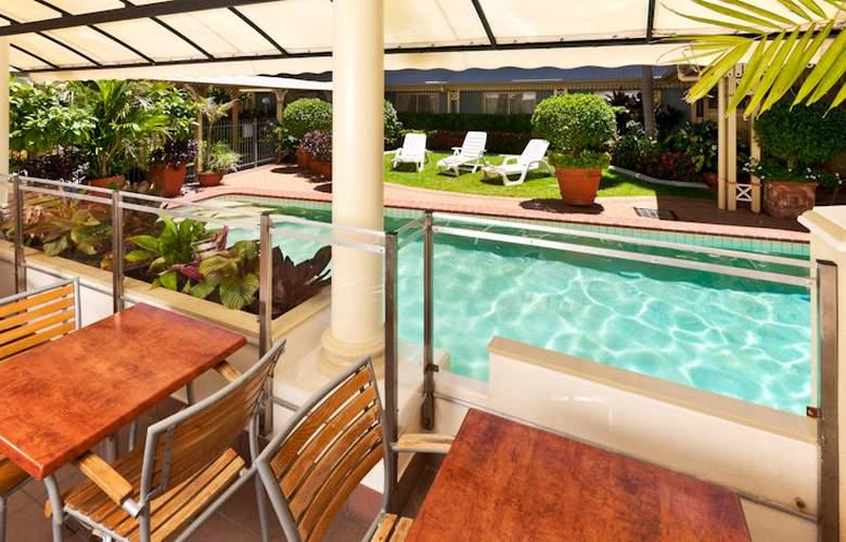 Cairns Queens Court - Pool - 12