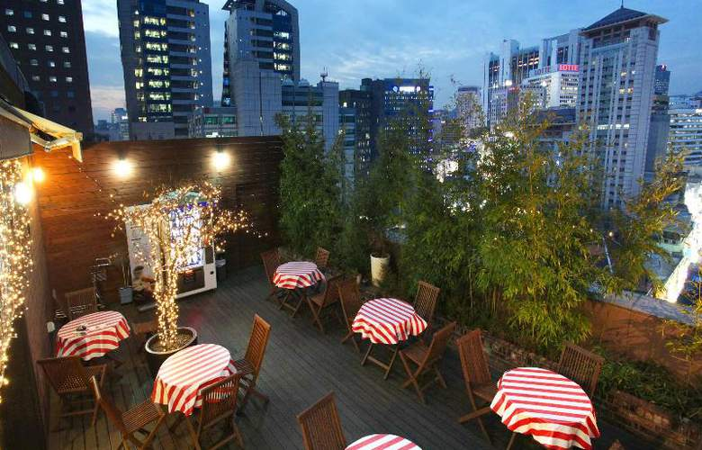 Sky Park in Myeong-dong Hotel - Terrace - 27
