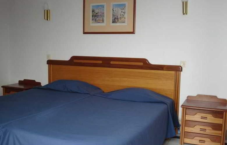 Golden Beach Apartaments - Room - 1