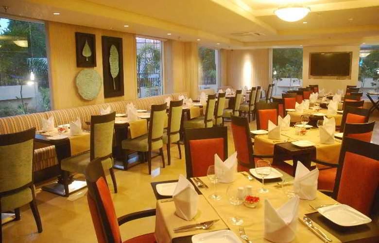 Fortune Park Ahmedabad - Restaurant - 10