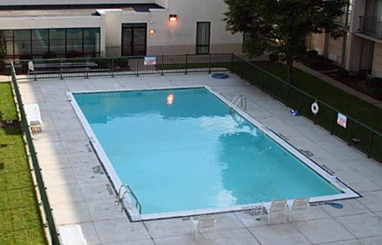 Clarion Hotel and Conference Center - Pool - 2