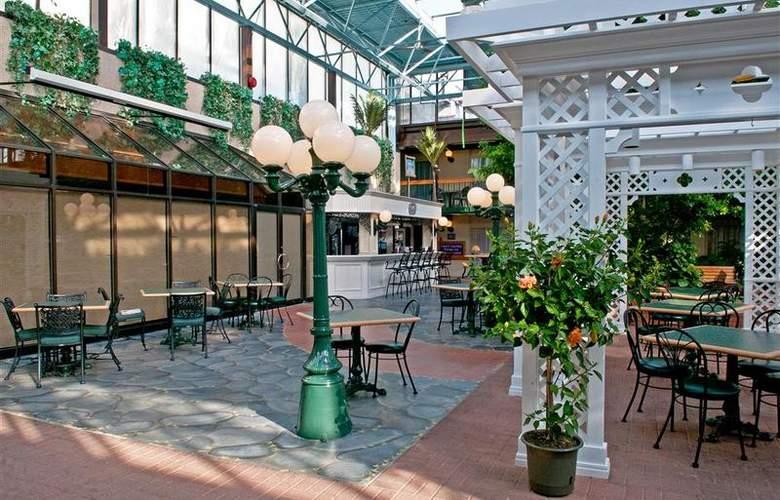 Best  Western Plus Cairn Croft Hotel - Restaurant - 89