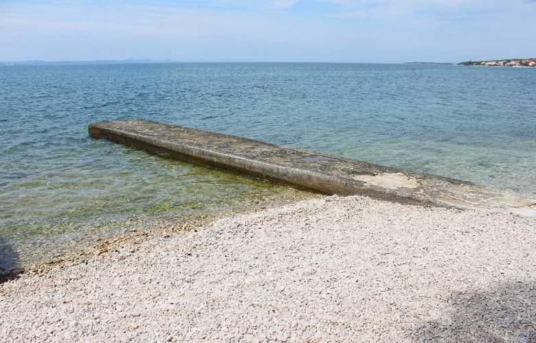 Marijan - Beach - 2