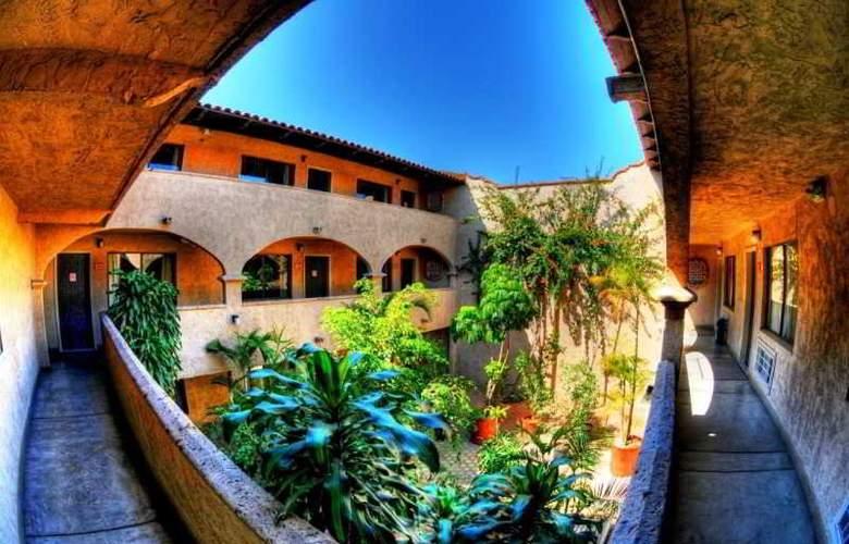 Villa de Zaragoza - Hotel - 2