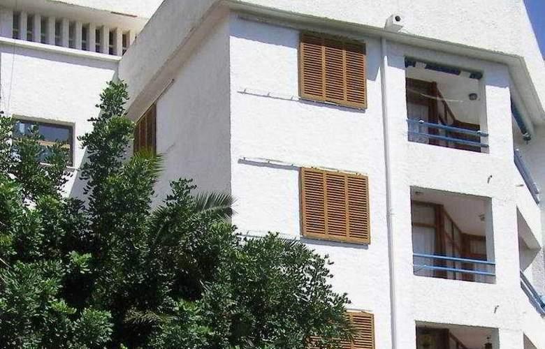 Tres Carabelas - Hotel - 0