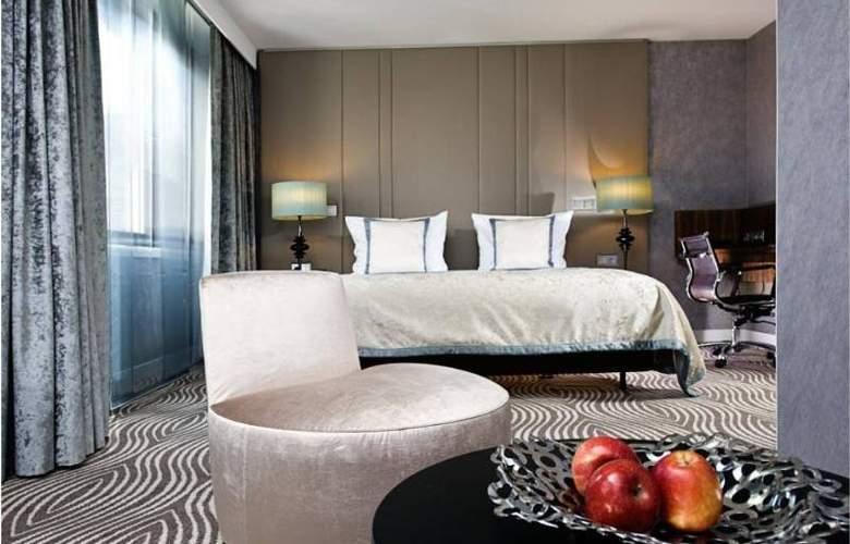 Hilton Berlin - Room - 11