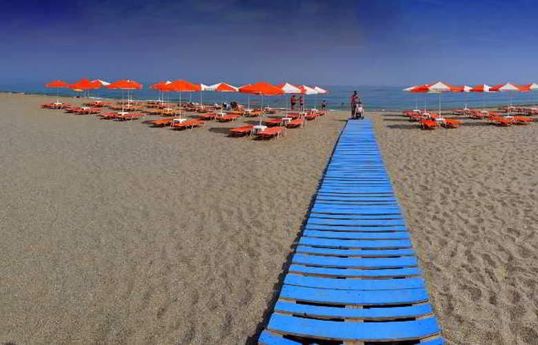 Palladion - Beach - 10