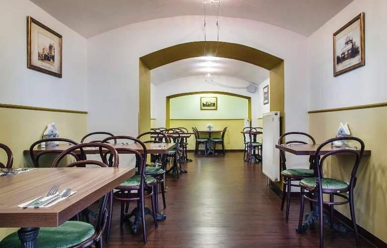 Taurus - Restaurant - 35