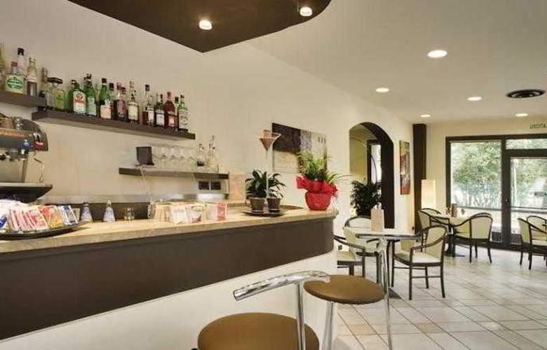 Montebello Hotel - Bar - 6
