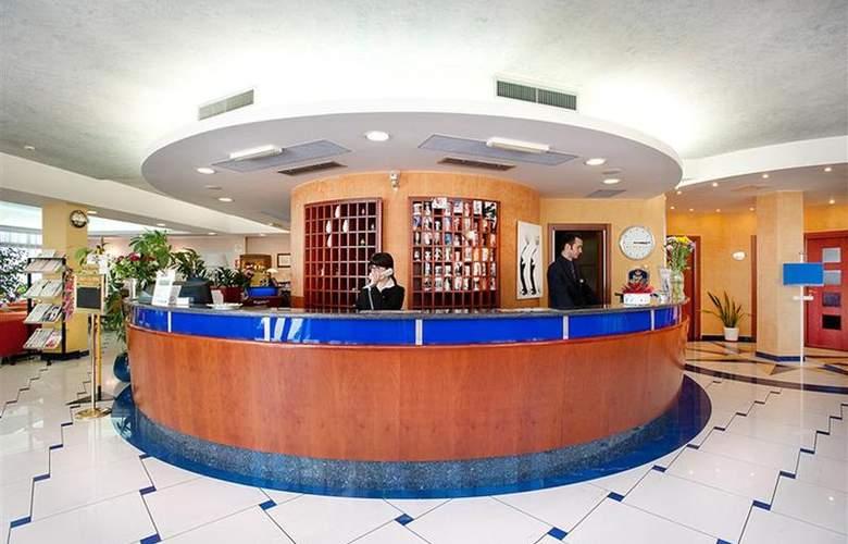 Best Western Blu Hotel Roma - General - 55