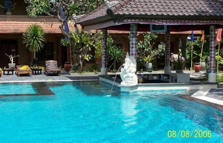 Satriya Cottage - Pool - 4