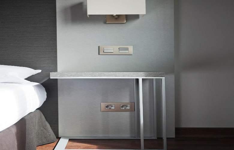 UVE Villa de Alcobendas - Room - 13