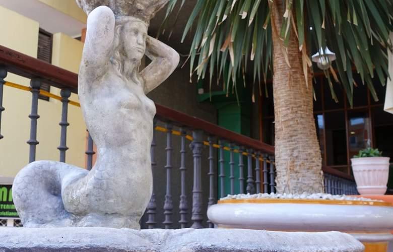 Andrea's - Hotel - 4