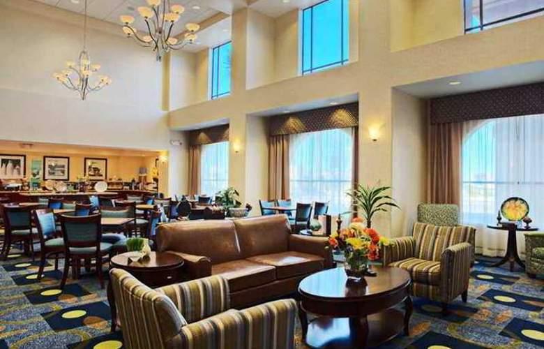 Hampton Inn & Suites Lancaster - Hotel - 0