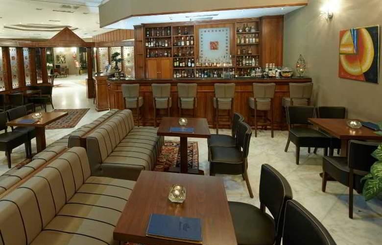 Royal - Bar - 12