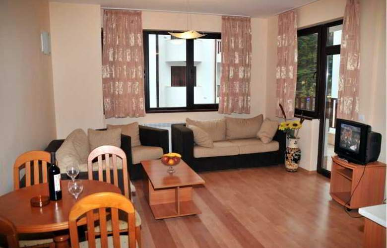 Tes Flora Apartments - Room - 8