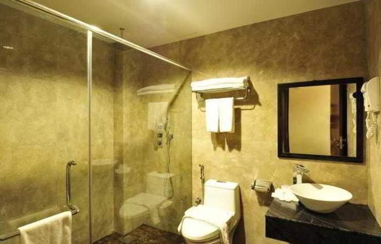 Hallmark Crown Hotel - Room - 16