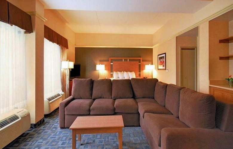 Hampton Inn Clinton - Room - 24
