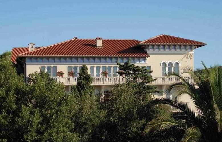 Arbiana - Hotel - 0