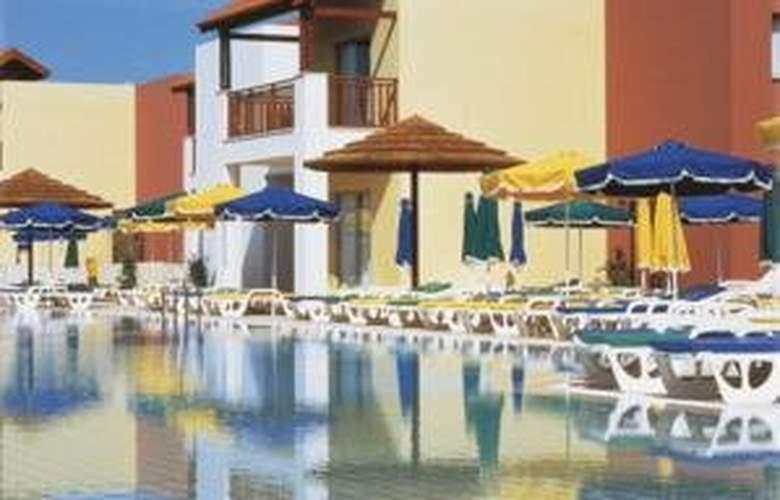 Panthea Holiday Village Waterpark - Pool - 3