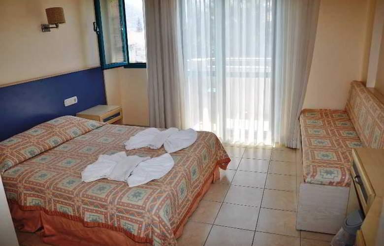 Montebello Beach Hotel - Room - 5