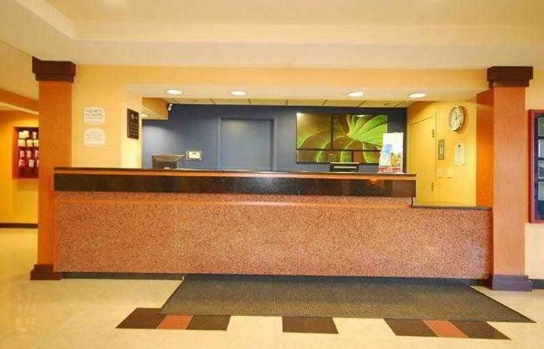 Quality Inn Boston-Revere - Hotel - 3