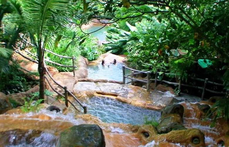The Springs Resort & Spa - Pool - 9