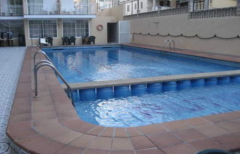 Riutort - Pool - 16