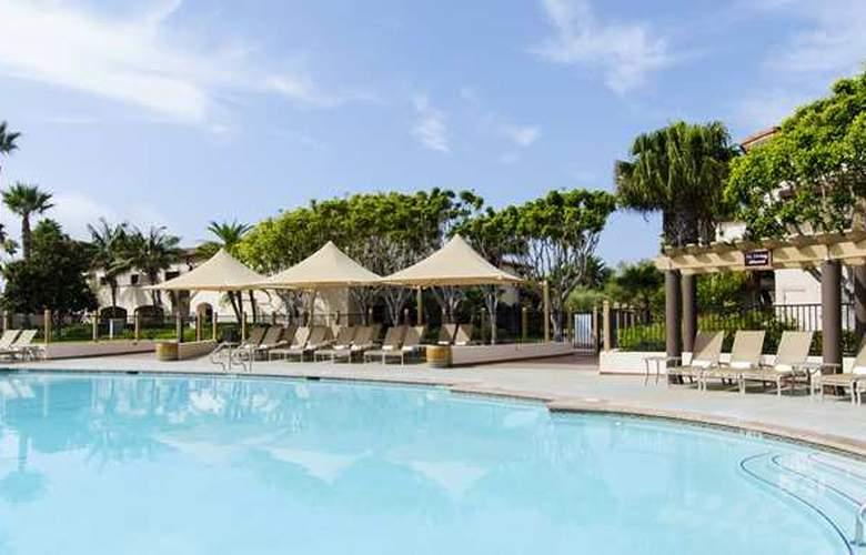 Hilton Santa Barbara Beachfront Resort - Pool - 3