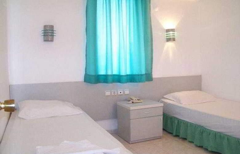 Club Caprice Apartments - Room - 1