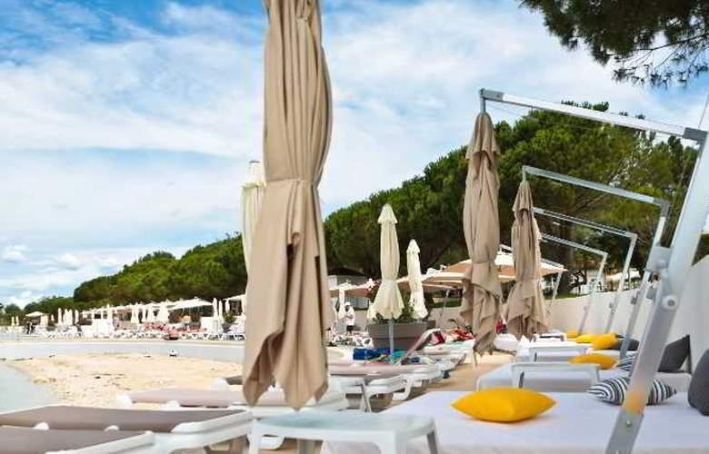 Park Plaza Belvedere Medulin - Beach - 13