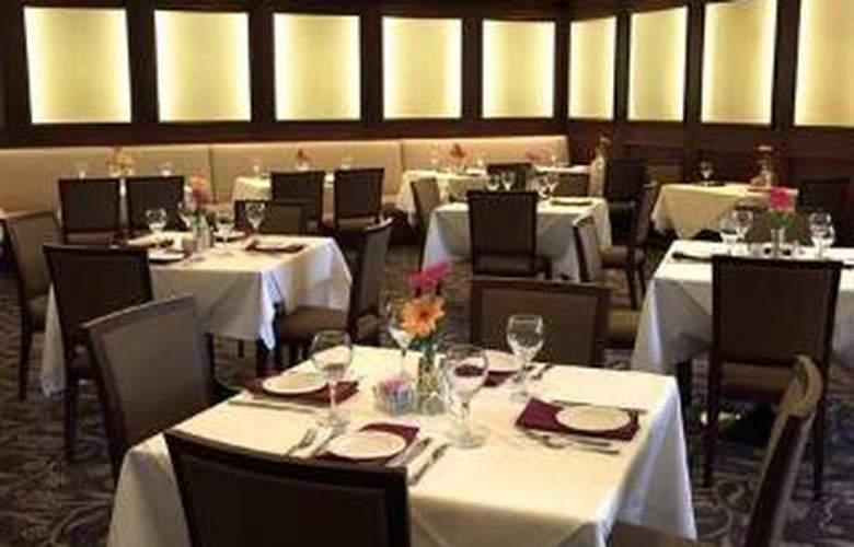 DoubleTree by Hilton Hotel Claremont - Restaurant - 1