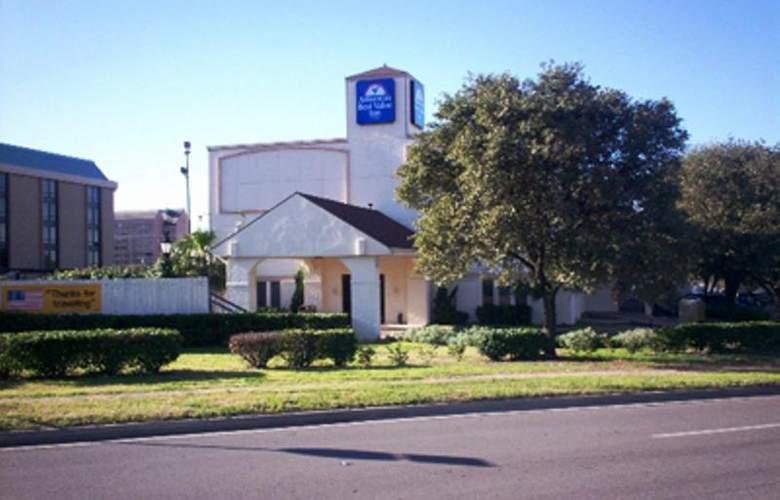 Americas Best Value Inn Austin - Hotel - 0