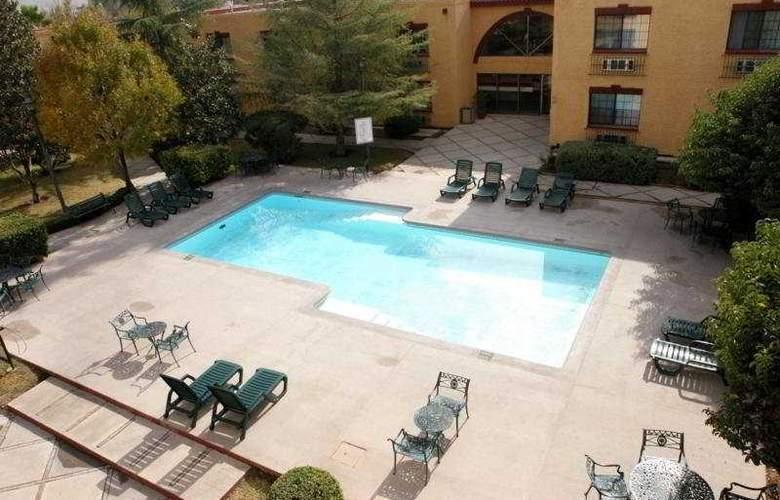 Casa Grande Chihuahua - Pool - 4